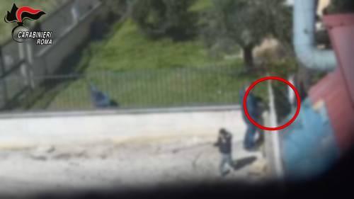 Le immagini dello spaccio nel centro di accoglienza riprese dai carabinieri 6