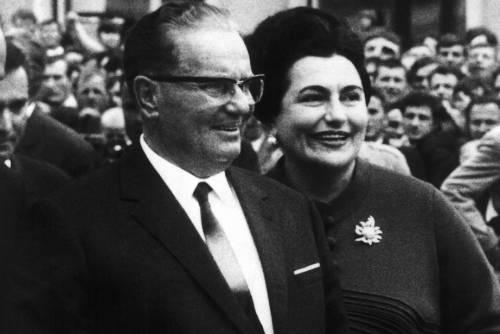 Addio al dittatore rosso: via l'onorificenza a Tito