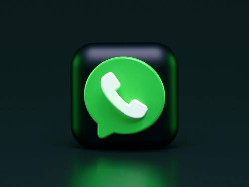 Piaga dei vocali lunghi addio, WhatsApp li velocizza