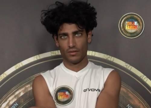 Chi è davvero Akash Kumar? Giallo sull'identità del concorrente dell'Isola