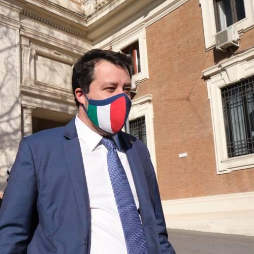"""Salvini va all'attacco: """"Giustizia da riformare. Basta col tritacarne"""""""