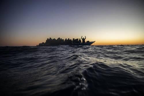 Partenze senza sosta da Libia e Tunisia: diecimila migranti già salpati in tre mesi