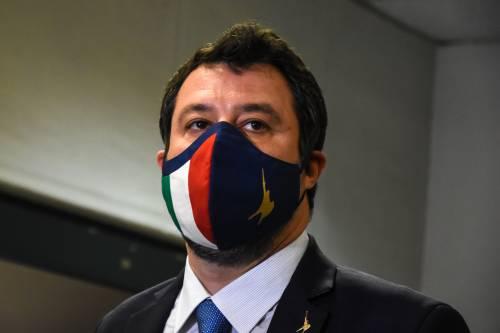 """Matteo Salvini tuona contro AstraZeneca: """"Non rispetta i contratti? Blocchiamo in Italia le 29milioni di dosi"""""""