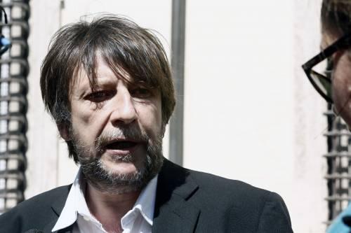 """Il delirio di Casarini che grida al complotto. Insulti ai giornalisti del """"Giornale"""" e ai pm"""