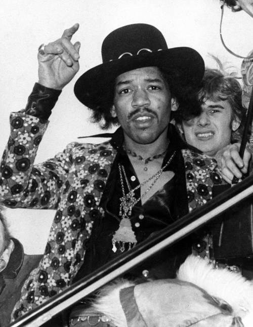 Jimi Hendrix dal vivo. La mappa degli show che ne esaltano il mito