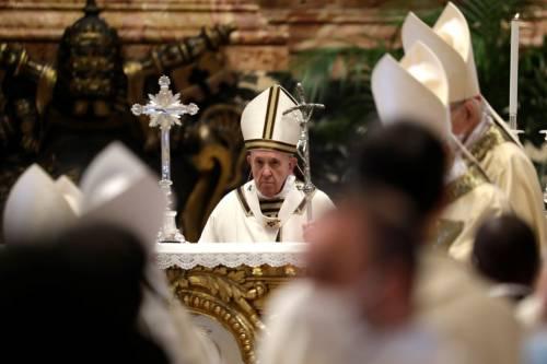 """Vaticano, ora scoppia la """"bufera"""" delle Messe a San Pietro"""