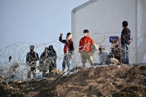Proseguono gli sbarchi a Lampedusa, più di 450 i nuovi arrivati nelle ultime ore