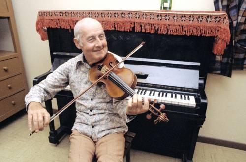Grappelli, vita senza spartito del violinista che stregò Parigi