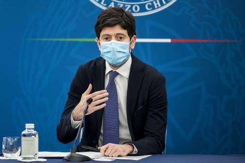 """Speranza: """"Entro fine estate ogni italiano sarà vaccinato"""". E viene firmato il protocollo per i vaccini in azienda"""
