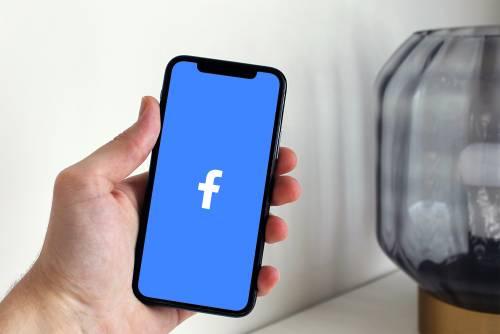 Facebook, sicurezza colabrodo: 5 milioni di mail rubate al giorno