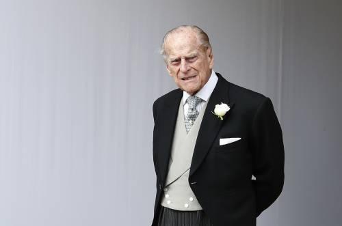 Il Regno Unito in lutto per Filippo: il protocollo del funerale e l'enigma sulla presenza di Harry e Meghan