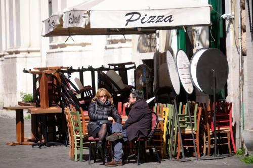 Ristoranti, cinema e palestre: ecco quando l'Italia può riaprire