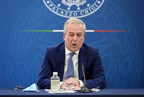 Riaperture, Locatelli medita e l'Italia muore