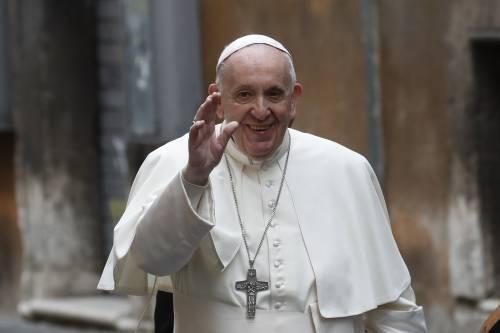 Papa Francesco senza mascherina. Un errore che dà una speranza