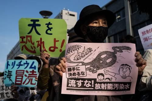 Il Giappone vuole scaricare l'acqua radioattiva in mare