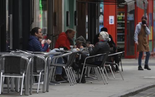 La tabella di marcia per la ripartenza: ristoranti, fiere e congressi tra le priorità