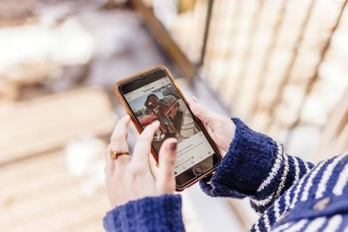 Instagram, ora devi scegliere: farai vedere i tuoi like?