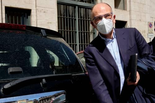 """Letta flirta col fondatore di Open Arms. Salvini furibondo: """"Non ho parole"""""""