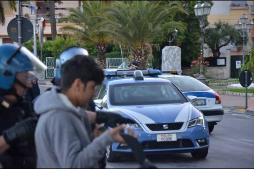 Il trucco della Francia: cacciare i clandestini per mandarli in Italia