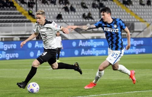 L'Inter frena ancora ma Conte allunga. Lo scudetto a un passo