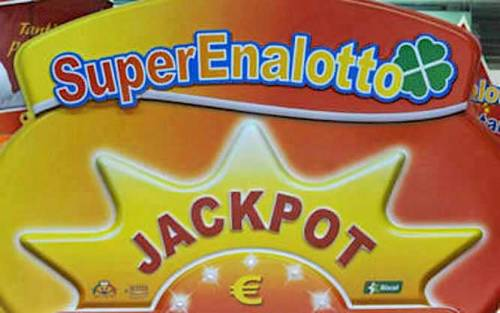 SuperEnalotto, Jackpot da capogiro: 142,3 milioni