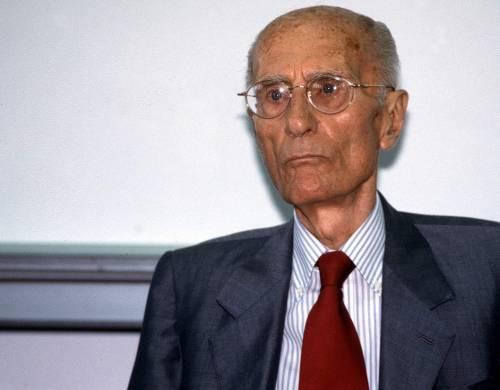"""""""Raccontò l'Italia senza cedere ai potenti"""". Il ricordo di Montanelli"""