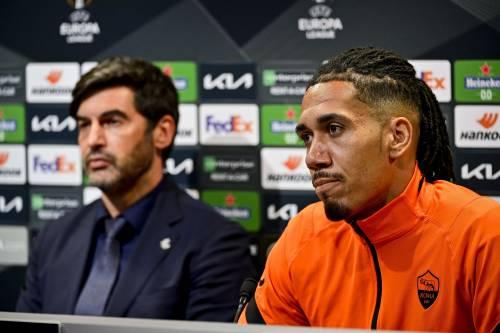 Roma-United, sfida delle strane panchine