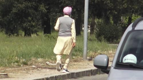 """""""Tanti irregolari..."""". La bomba variante indiana sui sikh in Italia"""