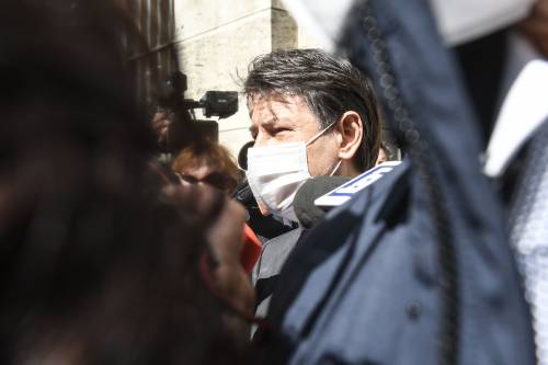 """Tra Renzi e Conte finisce in """"rissa"""": """"Va in un autogrill..."""""""