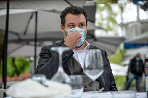 """""""Devi morire"""", """"Figlio di p..."""". Insulti choc a Salvini pure da Chef Rubio"""