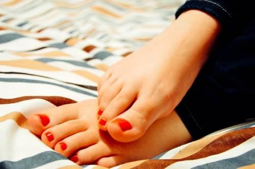 Micosi dell'unghia, come riconoscerla e curarla coi rimedi naturali