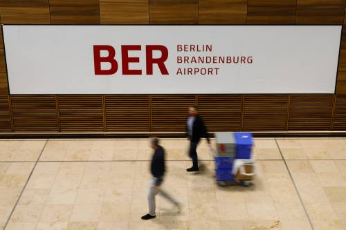 """Il piano dell'Ue per il turismo. Berlino, """"libertà"""" ai vaccinati"""