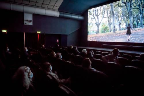 """Il cinema ricomincia da """"Due"""" per raccontare la solitudine"""