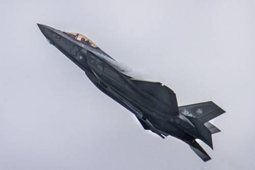 """I nostri F-35 in missione in Estonia per garantire la """"polizia aerea"""" Nato"""