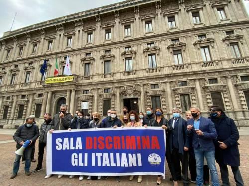 """""""Sala discrimina gli italiani"""". La Lega inchioda il Comune"""