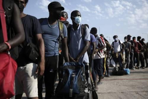 Bomba clandestini sull'Italia: in 70mila pronti a partire