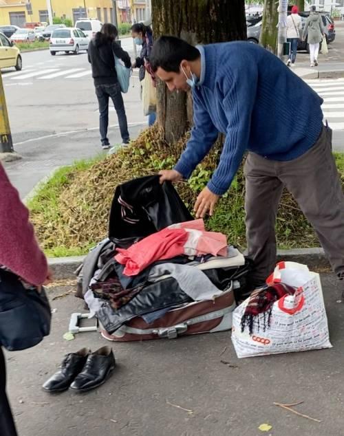 Milano, così si vendono i beni presi da Pane Quotidiano