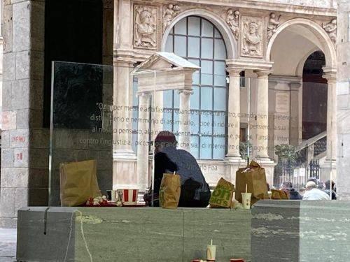 Degrado in centro a Milano, ora anche l'Anpi boccia Sala