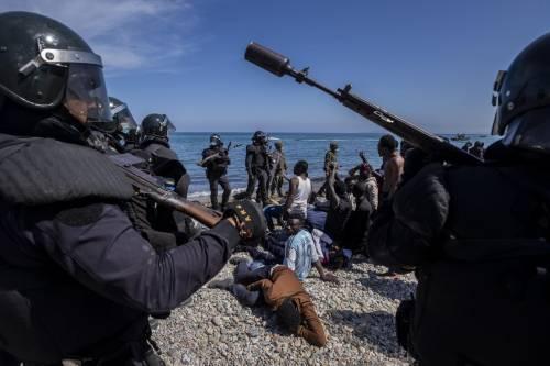 Migranti? Ecco cosa c'è davvero dietro alla guerra di Ceuta fra Spagna e Marocco