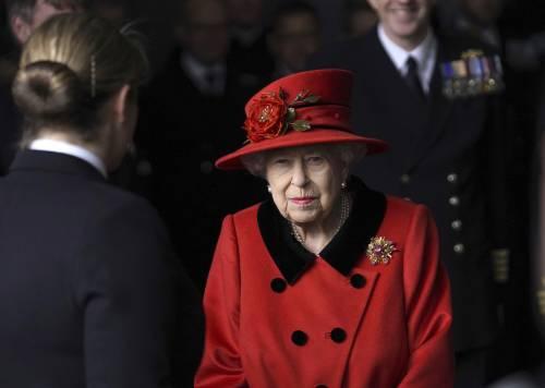 """La Regina richiama a Londra Harry: """"Preoccupata per la sua salute mentale"""""""