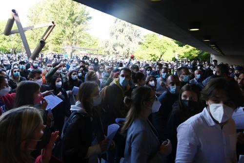 Open Day vaccino Bologna: in migliaia in fila