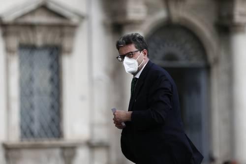 """La mossa di Giorgetti: """"Rivedere il blocco dei licenziamenti"""""""