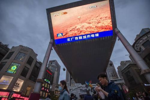 Cinesi su Marte: esordio col botto