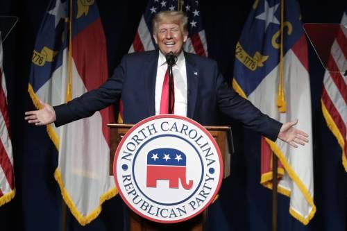 """Il ritorno-show di Trump. """"Biden rovina degli Usa"""""""