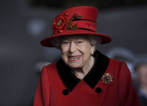 Smontata l'accusa di razzismo contro la regina Elisabetta