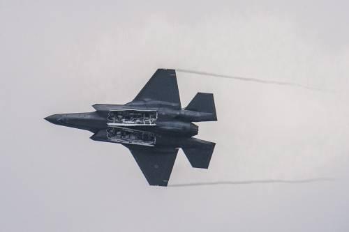 Incontri ravvicinati Baltico: così un caccia russo sfida gli F-35 italiani