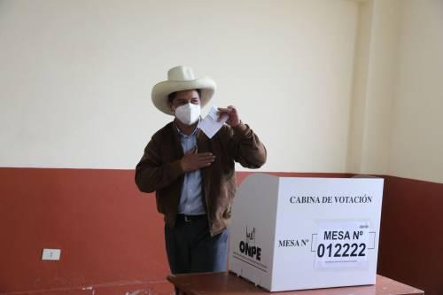 Castillo vola verso la vittoria Chiesto arresto per la Fujimori