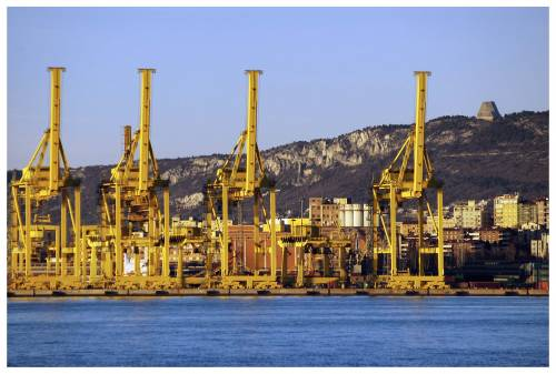 Nuove mosse cinesi nel Mediterraneo: ecco cosa sta succedendo