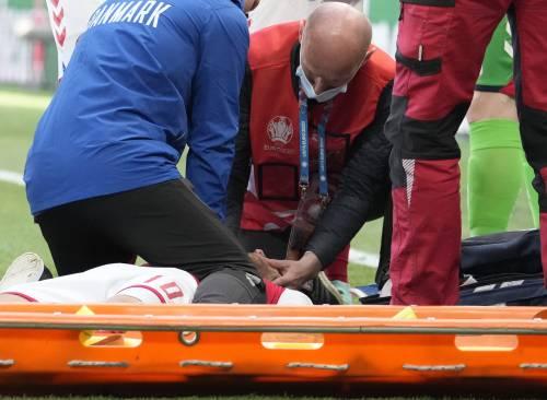 """""""Così Eriksen si è aggrappato alla vita"""", la testimonianza del medico che l'ha soccorso"""