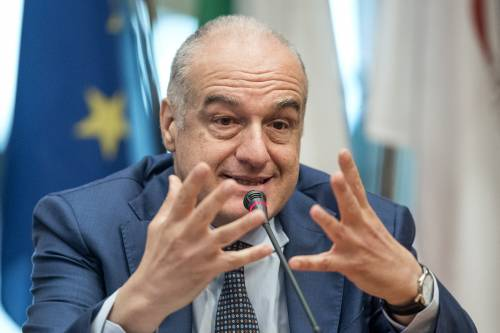 """Il Cavaliere telefona a Michetti. """"Da Silvio amore per Roma"""""""